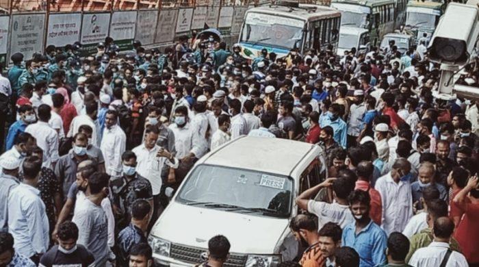 রোববার থেকে সৌদি দূতাবাস খুলছে ভিসার মেয়াদ বাড়াতে